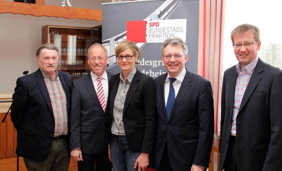 Diskutierten mit den Teilnehmern: Ag60plus - Landesvorsitzender Wilfried Krampe, Bielefelder OB Pit Clausen (SPD), Christina Kampmann (MdB, SPD), Achim Post (MdB, SPD) & Burkhard Blienert (MdB, SPD)