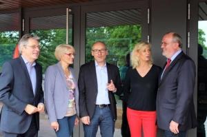 Für die Bundestagswahl 2017 wurden Achim Post (links) und für die Landtagswahl 2017 Ernst-Wilhelm Rahe (rechts) nominiert. Für den Landtagswahlkreis 89 (Minden-Porta) gibt es mit Birgit Härtel (links) und Christina Weng (rechts) 2 Kandidatinnen für die Wahlkreiskonferenz im Herbst. (Mit SPD-Kreisvorsitzender Michael Buhre)