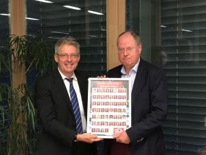 Achim Post verabschiedet Peer Steinbrück auf der Sitzung der NRW-Landesgruppe am 26. September 2016