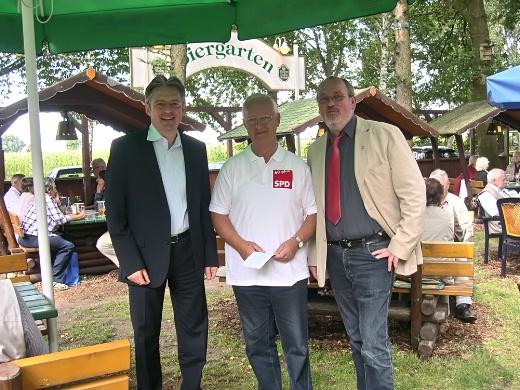 """""""Das war ein toller nachmittag heute"""". Achim, Dieter und EWi sind begeistert von den Aktionen der Senioren."""