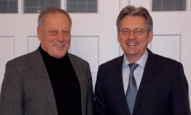 Erörterten beim Antrittsbesuch in Porta Westfalica kommunale Themen: MdB Achim Post und Bürgermeister Stepan Böhme (Bild links).