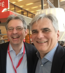 Achim Post und Bundeskanzler a.D. Werner Faymann freuen sich über den Sieg van der Bellens.